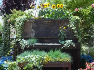 Floral Piano