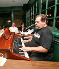 Kelly's Steakhouse Piano Bar with Joe Cromwell