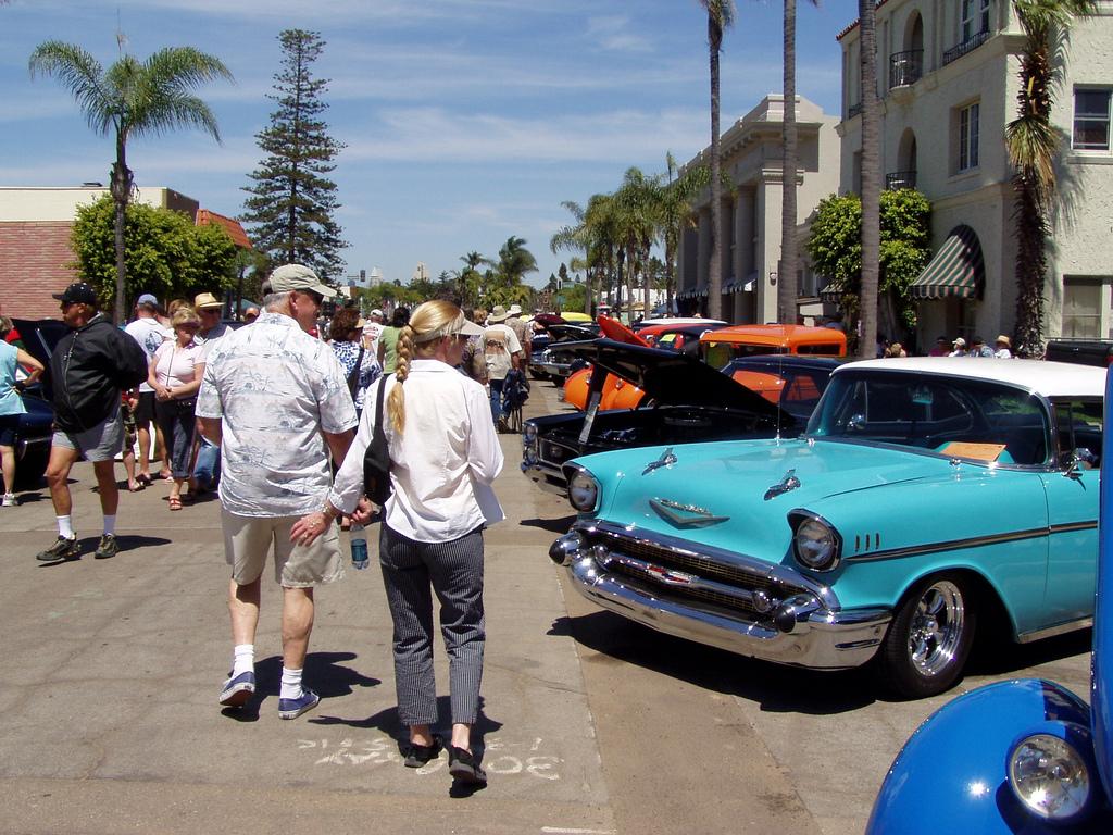 Motorcars on MainStreet in Coronado