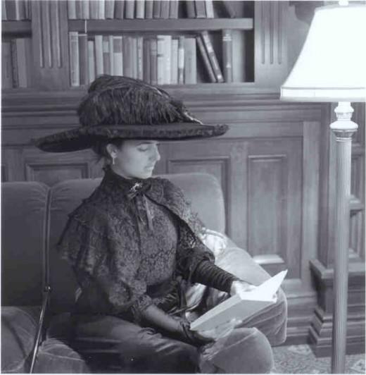 Hotel del Coronado-Kate Morgan reading