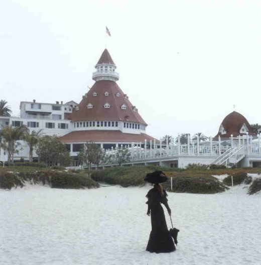 Kate Morgan Standing in front of the Hotel Del
