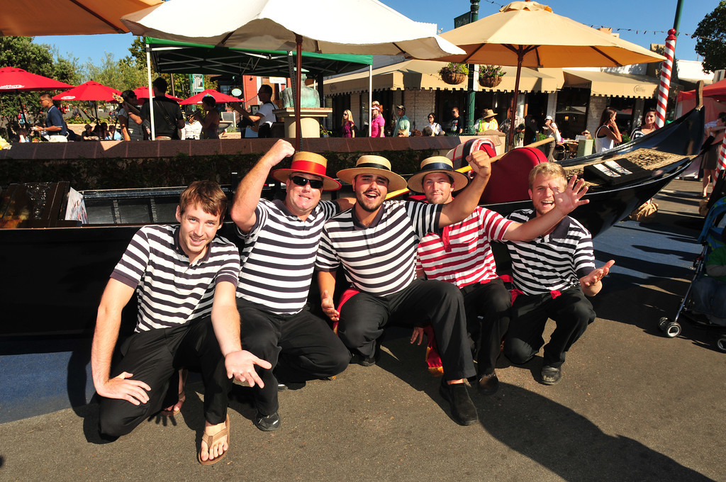 Gondoliers at the Little Italy Festa!