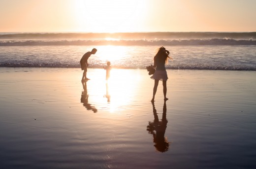 Family Enjoying La Jolla Shores - Iconic Family Photo Spots