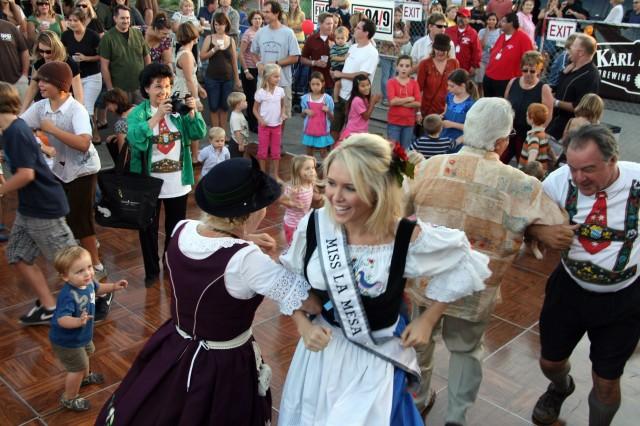 La Mesa Oktoberfest Dancers
