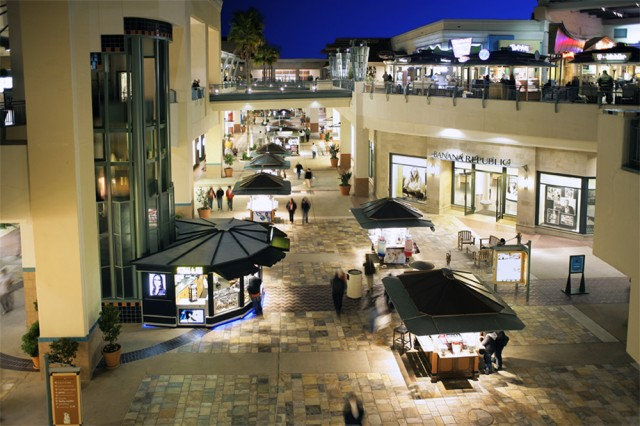 Welcome To Fashion Valley - A Shopping Center In San Diego 41