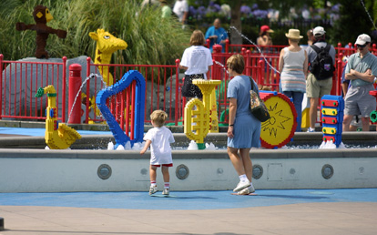 Children can play a song by jumping up and down at this musical fountain at LEGOLAND California Resort.