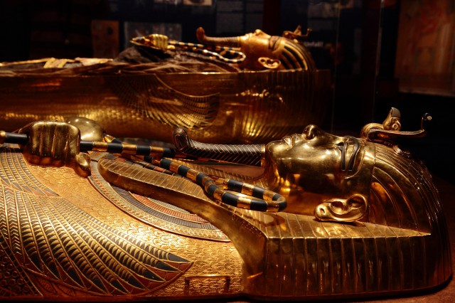 king-tut-golden-mummy-cases-courtesy theNat San Diego