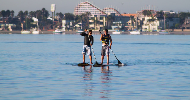 Paddleboarders-on-Mission-Bay-1200x630