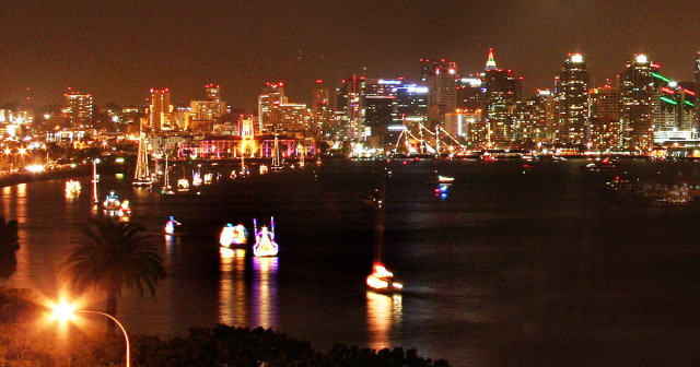 Downtown_Skyline_ParadeofLights-1200x630
