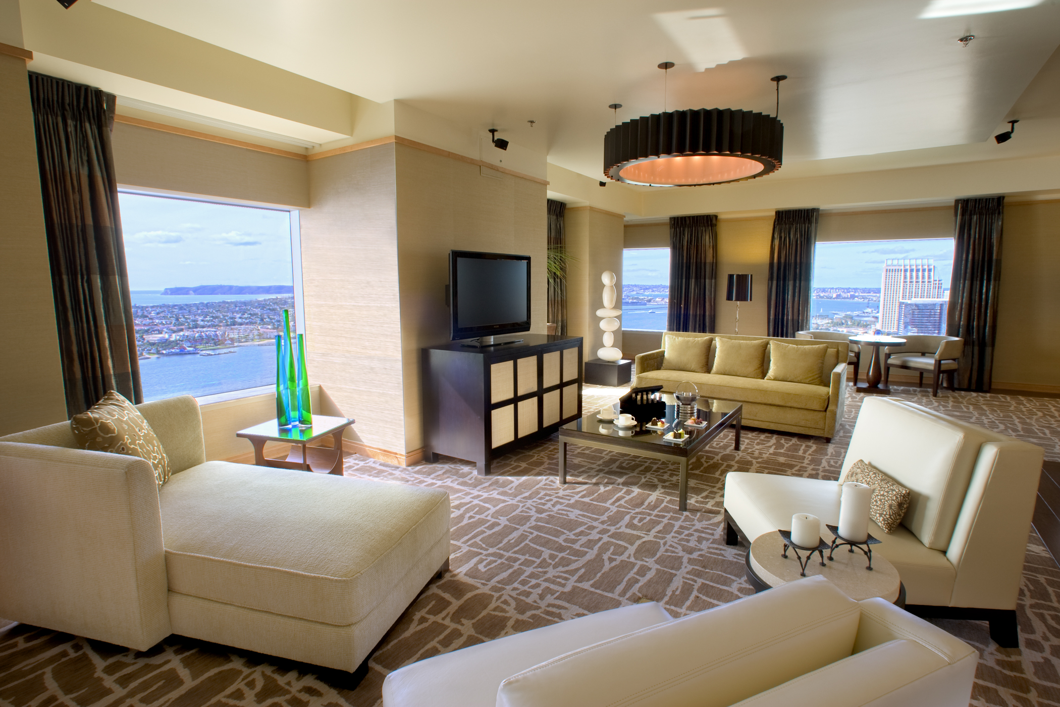 commander-in-chief: 20+ san diego presidential suites