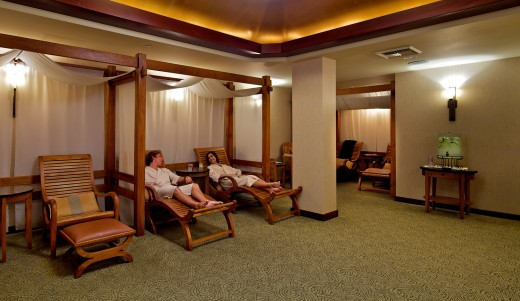 Catamaran Spa relaxation room