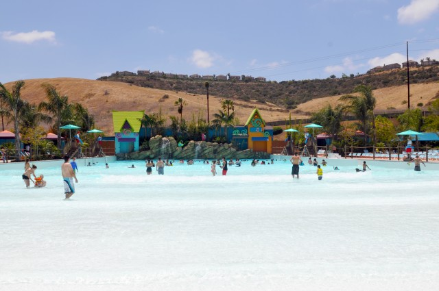 Big Surf Shores - Aquatica San Diego