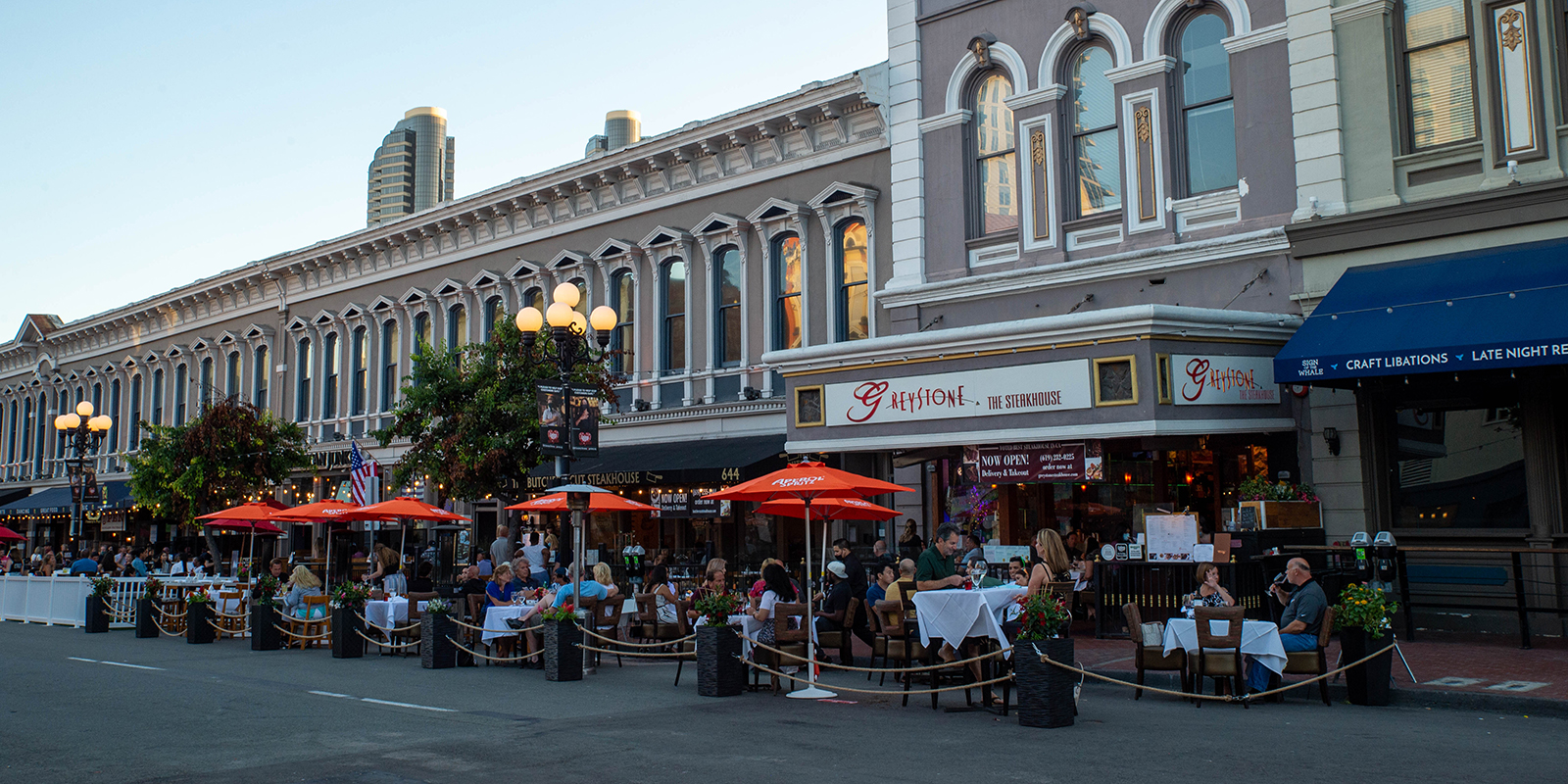 Outdoor Dining in San Diego's Gaslamp Quarter